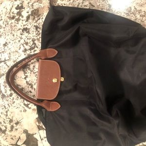 Black Longchamp bag good condidtion. Gently used